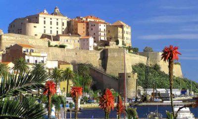 Citadelle de Calvi en plein jour