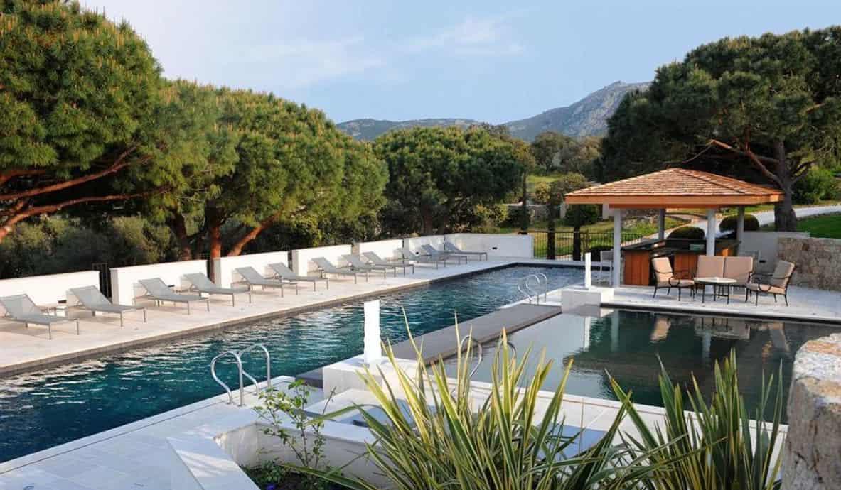 Piscine hotel Calvi